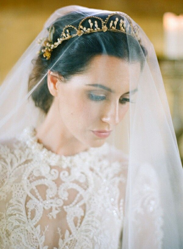 Crown/Tiara Veil - This style works well both with an up-do or with soft romantic curls. | www.rossiniweddings.com