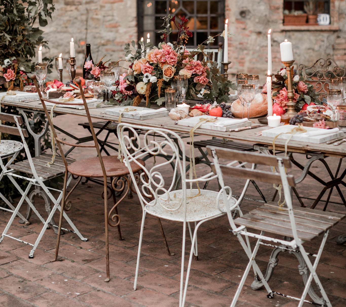 Chairs   8 different types of wedding chairs for your wedding   Italy