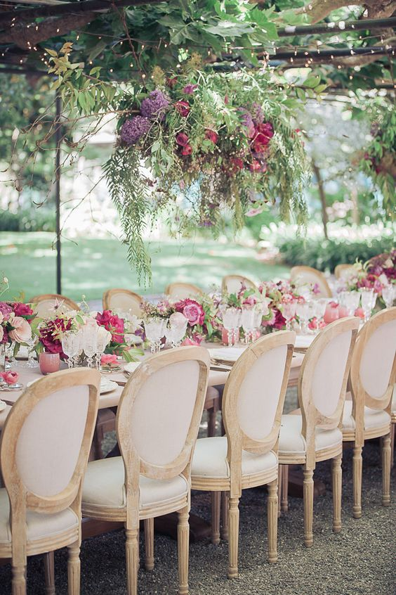 King Louis chairs are must-haves for weddings taking place at elegant a villa or castles.