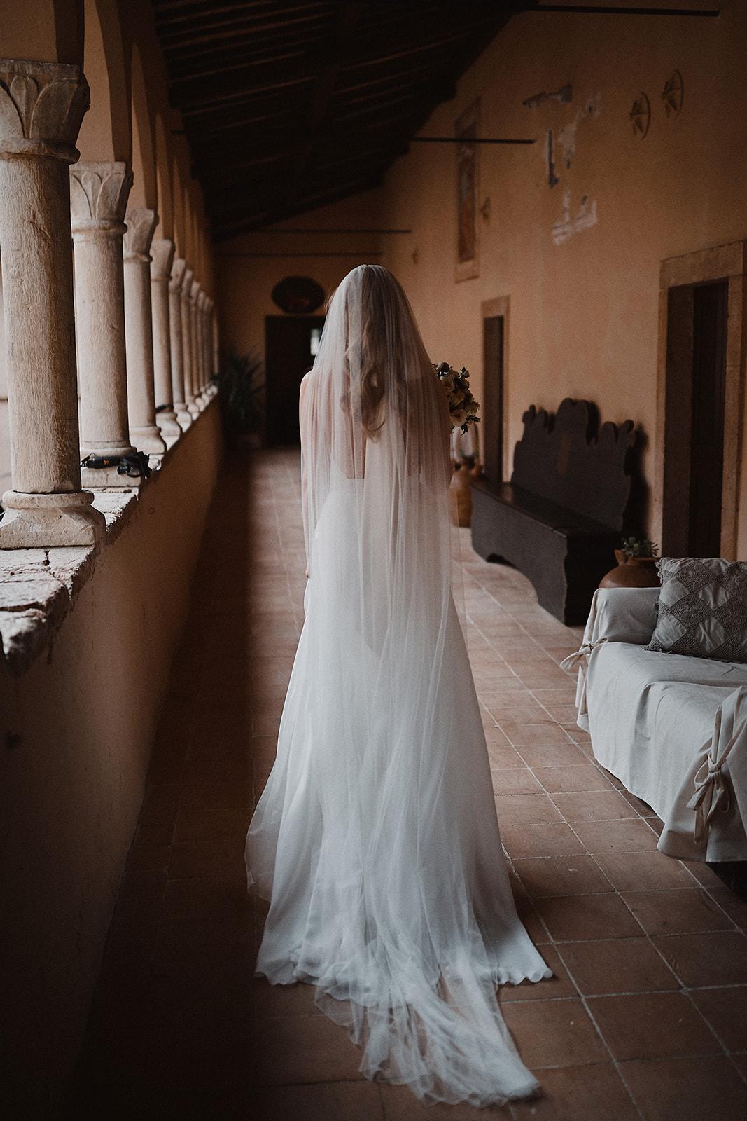 Chapel Veil, wedding Umbria