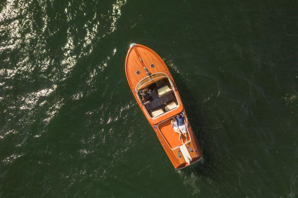 lake-como-riva-boat
